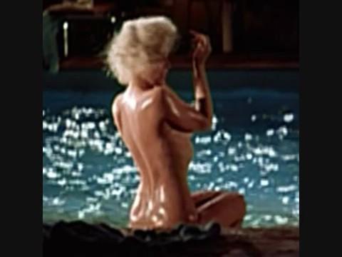 Monroe: Pool